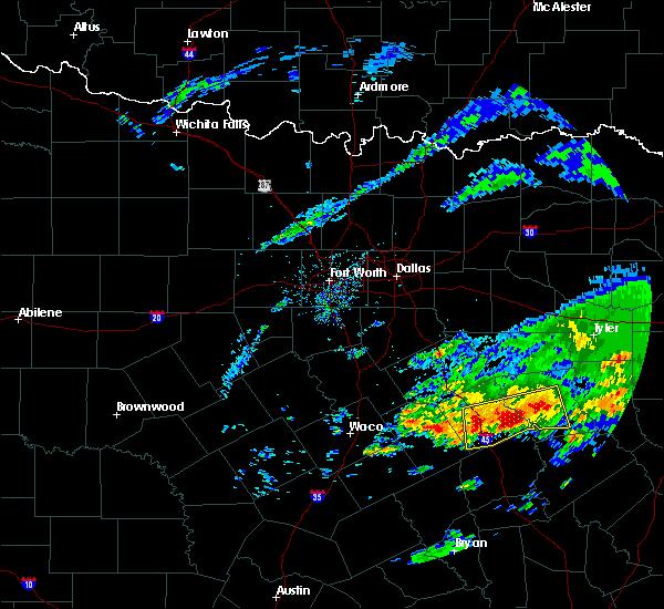 Radar Image for Severe Thunderstorms near Fairfield, TX at 4/19/2020 9:46 AM CDT
