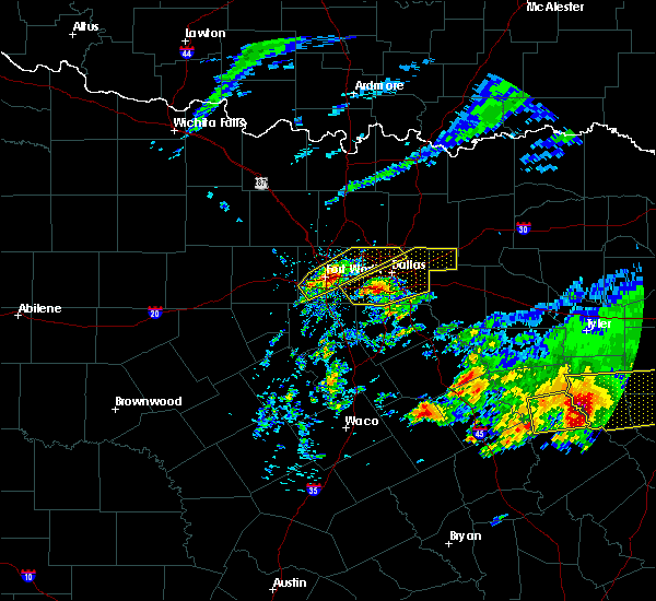 Radar Image for Severe Thunderstorms near McLendon-Chisholm, TX at 4/19/2020 10:23 AM CDT