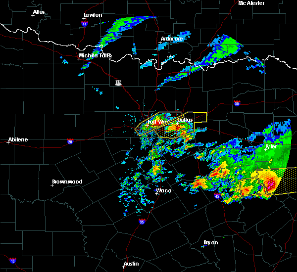 Radar Image for Severe Thunderstorms near Southlake, TX at 4/19/2020 10:32 AM CDT