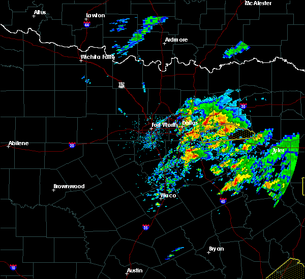 Radar Image for Severe Thunderstorms near Frankston, TX at 4/19/2020 11:22 AM CDT