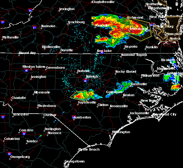 Radar Image for Severe Thunderstorms near Fayetteville, NC at 6/25/2015 10:57 PM EDT