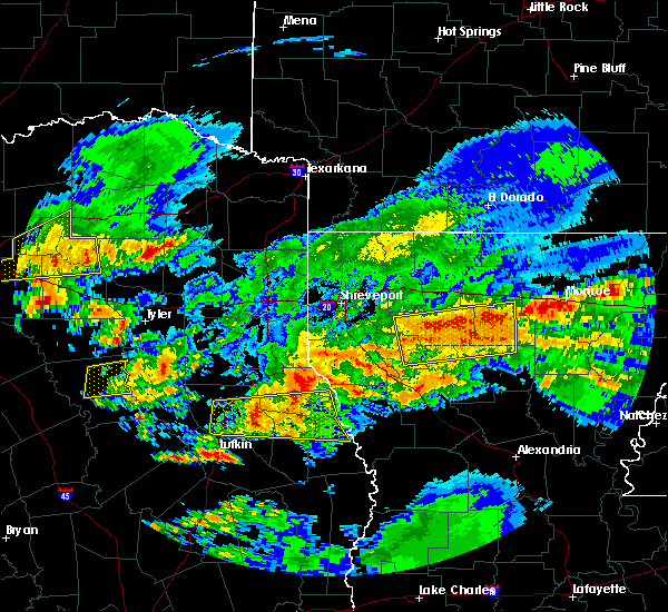 Radar Image for Severe Thunderstorms near Palestine, TX at 4/19/2020 12:08 PM CDT