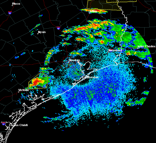 Radar Image for Severe Thunderstorms near El Campo, TX at 4/19/2020 12:27 PM CDT