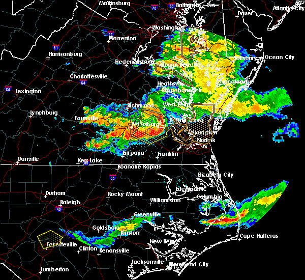 Radar Image for Severe Thunderstorms near Newport News, VA at 6/25/2015 11:13 PM EDT