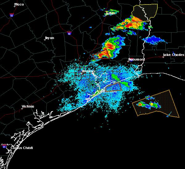 Radar Image for Severe Thunderstorms near Hardin, TX at 4/19/2020 4:29 PM CDT