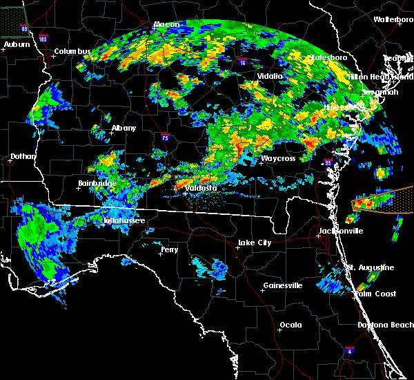 Radar Image for Severe Thunderstorms near Homerville, GA at 4/19/2020 6:24 PM EDT