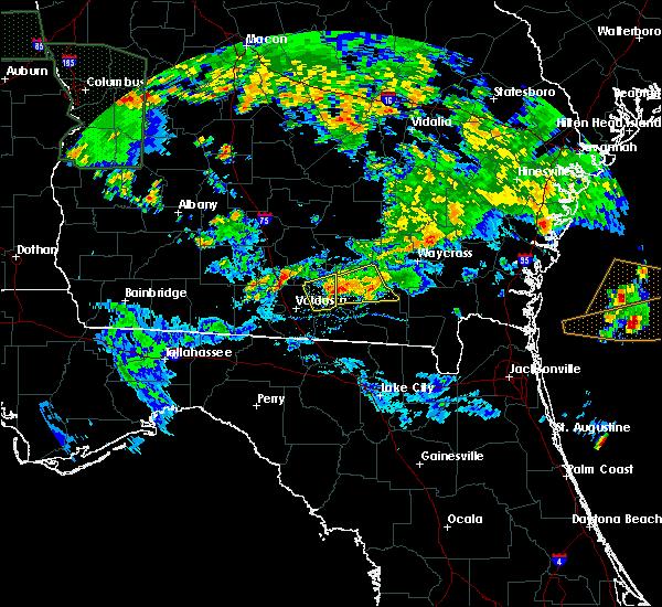 Radar Image for Severe Thunderstorms near Homerville, GA at 4/19/2020 6:59 PM EDT