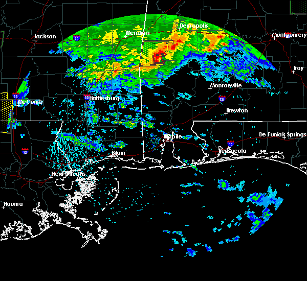 Radar Image for Severe Thunderstorms near Thomasville, AL at 4/19/2020 6:00 PM CDT