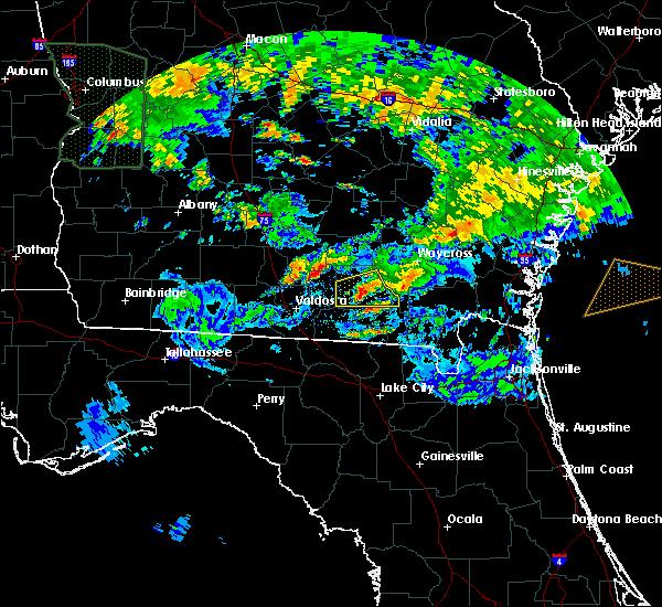 Radar Image for Severe Thunderstorms near Homerville, GA at 4/19/2020 7:24 PM EDT