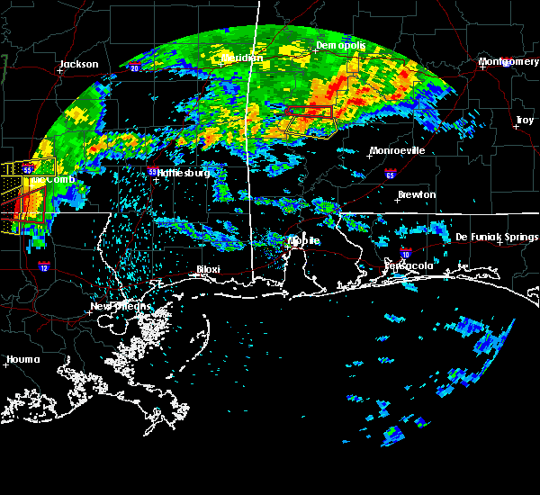 Radar Image for Severe Thunderstorms near Thomasville, AL at 4/19/2020 6:27 PM CDT