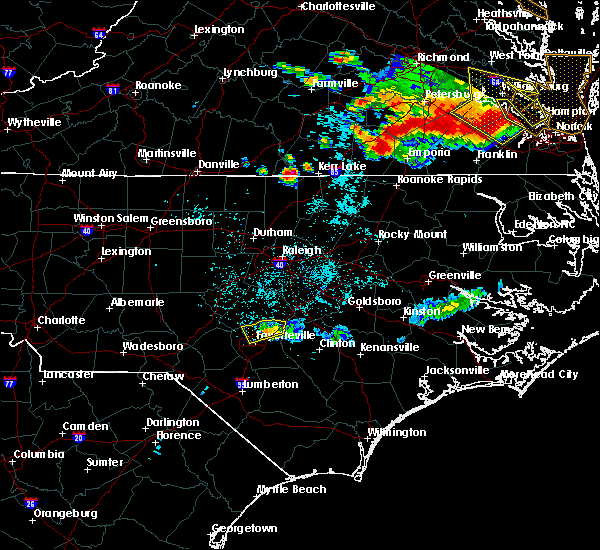 Radar Image for Severe Thunderstorms near Fayetteville, NC at 6/25/2015 11:43 PM EDT
