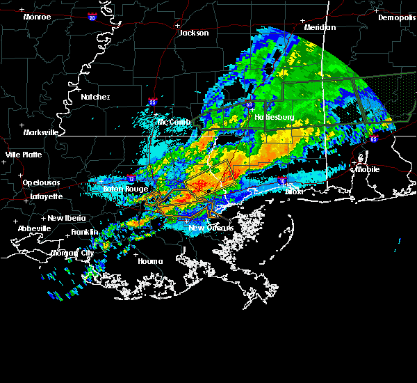 Radar Image for Severe Thunderstorms near Picayune, MS at 4/19/2020 10:20 PM CDT