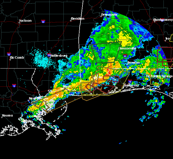 Radar Image for Severe Thunderstorms near Loxley, AL at 4/19/2020 11:37 PM CDT