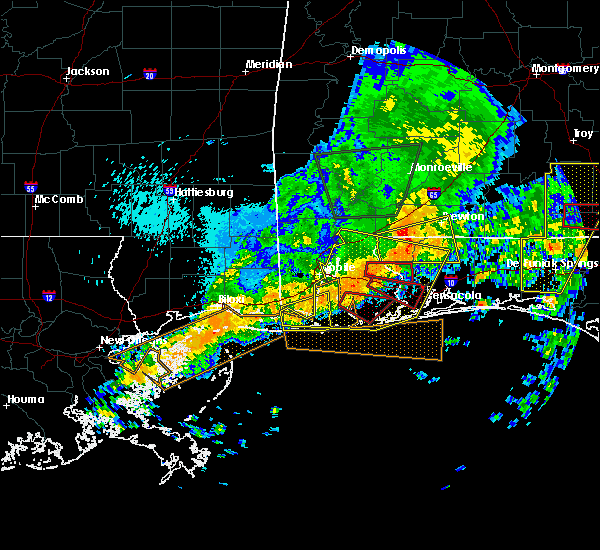 Radar Image for Severe Thunderstorms near Loxley, AL at 4/19/2020 11:56 PM CDT