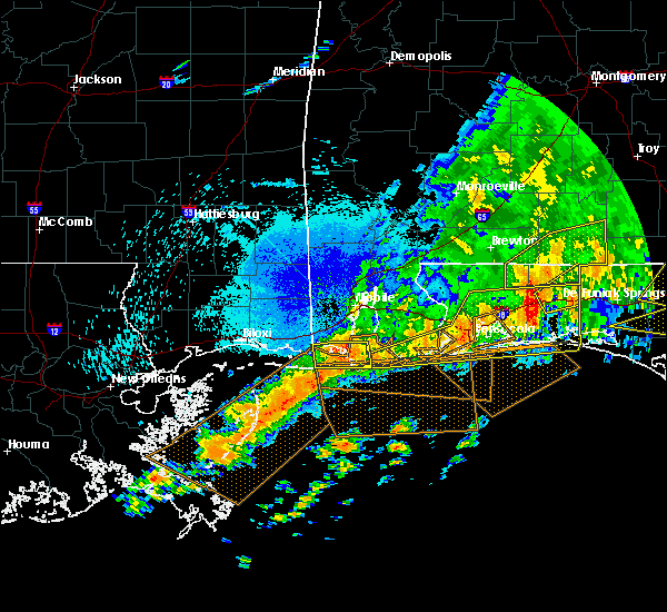 Radar Image for Severe Thunderstorms near Midway, FL at 4/20/2020 12:39 AM CDT