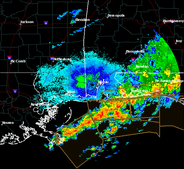 Radar Image for Severe Thunderstorms near Midway, FL at 4/20/2020 1:36 AM CDT
