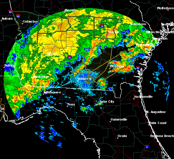 Radar Image for Severe Thunderstorms near Nashville, GA at 4/20/2020 3:33 AM EDT