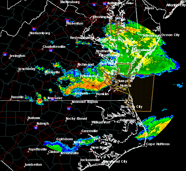 Radar Image for Severe Thunderstorms near Chesapeake, VA at 6/26/2015 12:18 AM EDT