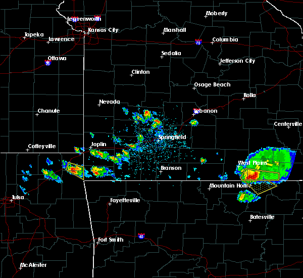 Radar Image for Severe Thunderstorms near Brandsville, MO at 4/20/2020 4:55 PM CDT