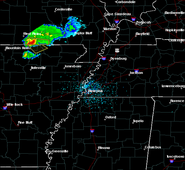 Radar Image for Severe Thunderstorms near Hardy, AR at 4/20/2020 5:00 PM CDT