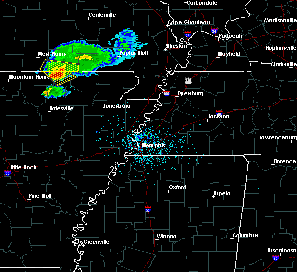 Radar Image for Severe Thunderstorms near Hardy, AR at 4/20/2020 5:14 PM CDT
