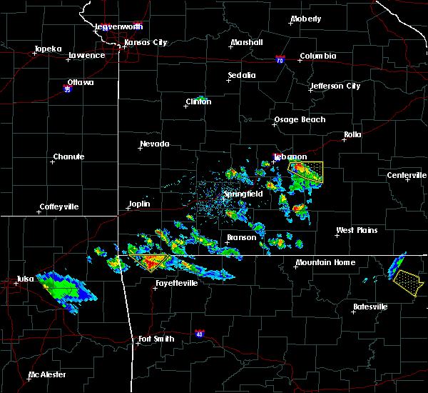 Radar Image for Severe Thunderstorms near Rogers, AR at 4/20/2020 6:20 PM CDT