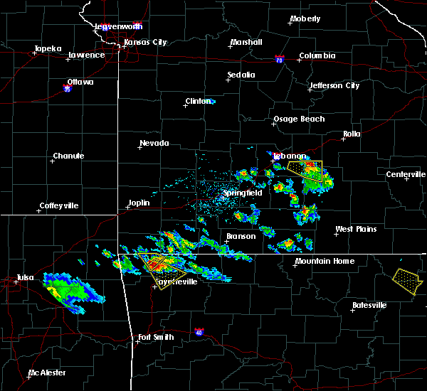Radar Image for Severe Thunderstorms near Fort Leonard Wood, MO at 4/20/2020 6:32 PM CDT
