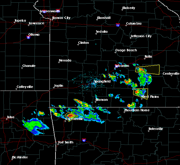 Radar Image for Severe Thunderstorms near Pomona, MO at 4/20/2020 6:50 PM CDT