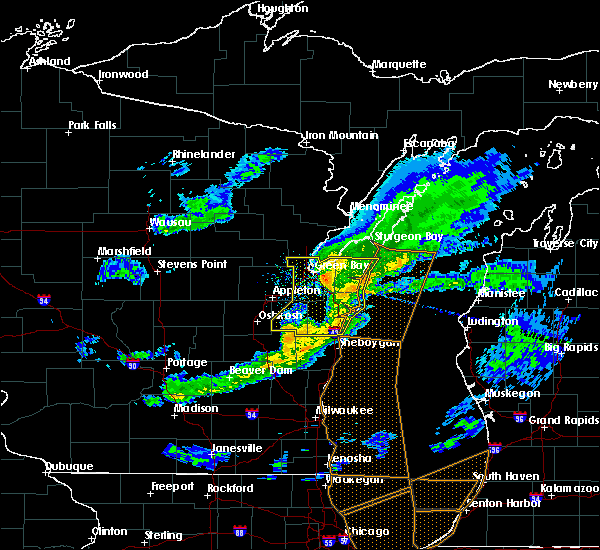 Radar Image for Severe Thunderstorms near Reedsville, WI at 4/20/2020 8:26 PM CDT
