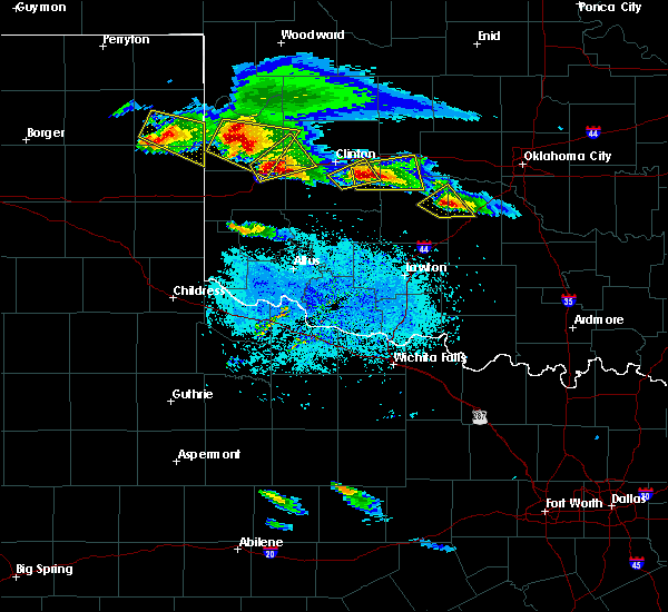 Radar Image for Severe Thunderstorms near Burns Flat, OK at 4/21/2020 8:21 PM CDT