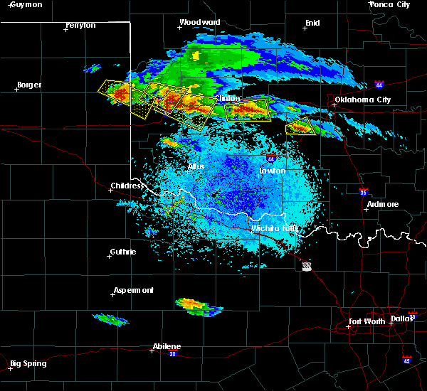 Radar Image for Severe Thunderstorms near Sweetwater, OK at 4/21/2020 8:48 PM CDT