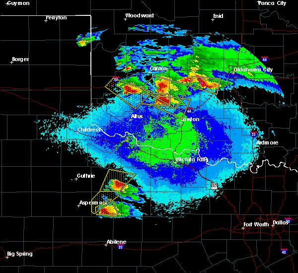 Radar Image for Severe Thunderstorms near Medicine Park, OK at 4/21/2020 10:21 PM CDT