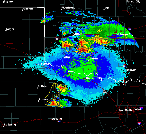 Radar Image for Severe Thunderstorms near Mountain View, OK at 4/21/2020 10:30 PM CDT
