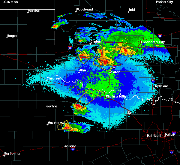 Radar Image for Severe Thunderstorms near Seymour, TX at 4/21/2020 10:35 PM CDT