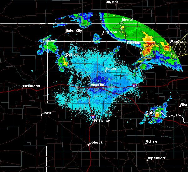 Radar Image for Severe Thunderstorms near Lipscomb, TX at 4/22/2020 5:25 AM CDT