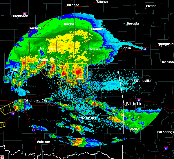Radar Image for Severe Thunderstorms near Oakhurst, OK at 4/22/2020 8:35 AM CDT