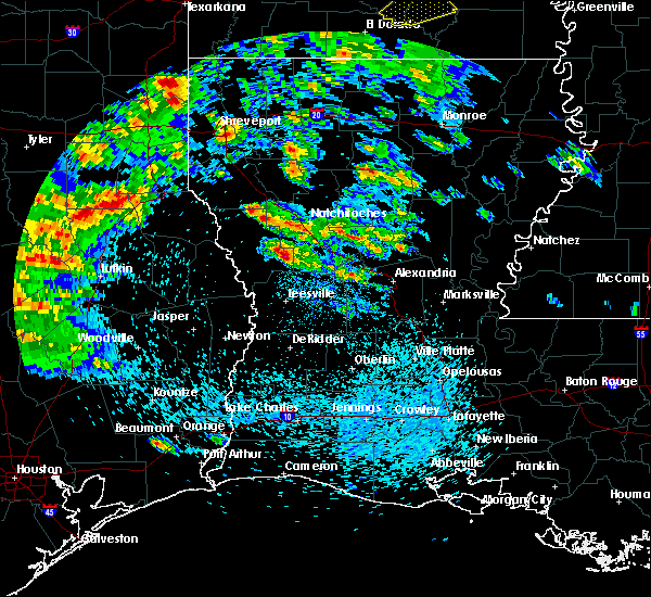 Radar Image for Severe Thunderstorms near Natchez, LA at 4/22/2020 12:37 PM CDT
