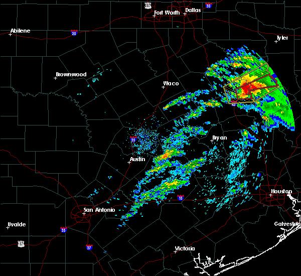 Radar Image for Severe Thunderstorms near Grapeland, TX at 4/22/2020 2:22 PM CDT