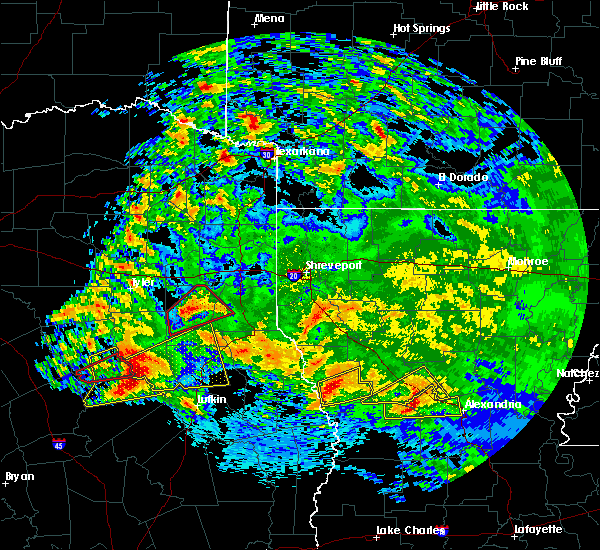 Radar Image for Severe Thunderstorms near Grapeland, TX at 4/22/2020 3:02 PM CDT