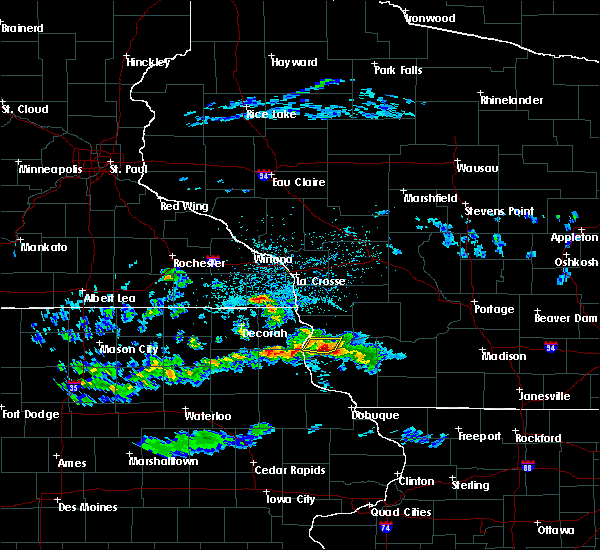 Radar Image for Severe Thunderstorms near Eastman, WI at 4/22/2020 4:14 PM CDT