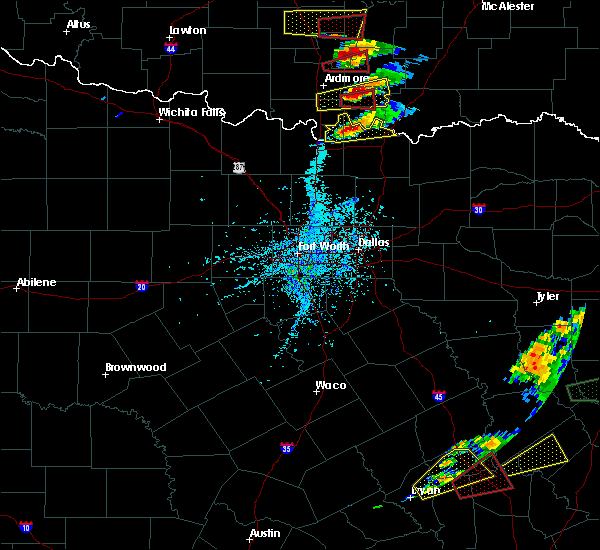 Radar Image for Severe Thunderstorms near Preston, TX at 4/22/2020 4:48 PM CDT