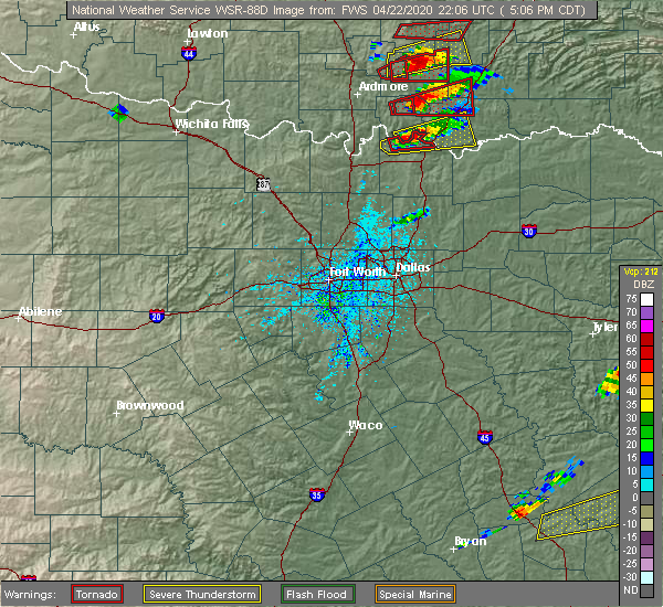 Radar Image for Severe Thunderstorms near Preston, TX at 4/22/2020 5:08 PM CDT