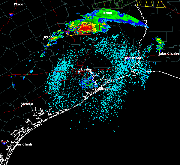Radar Image for Severe Thunderstorms near Trinity, TX at 4/22/2020 5:34 PM CDT