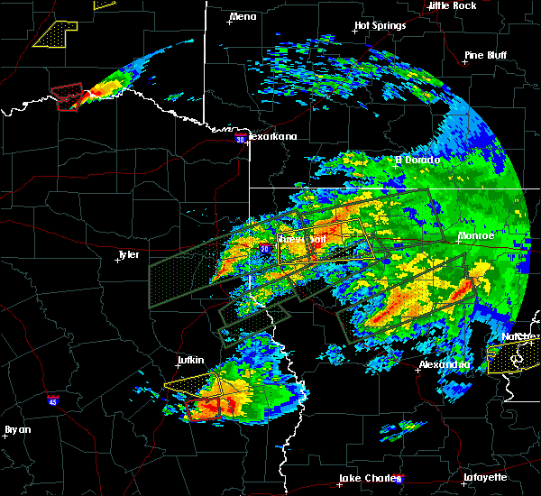 Radar Image for Severe Thunderstorms near Bryceland, LA at 4/22/2020 6:46 PM CDT