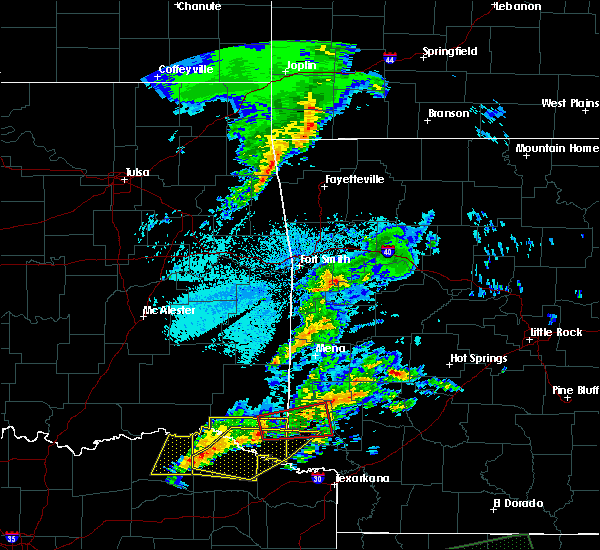 Radar Image for Severe Thunderstorms near De Queen, AR at 4/22/2020 8:46 PM CDT