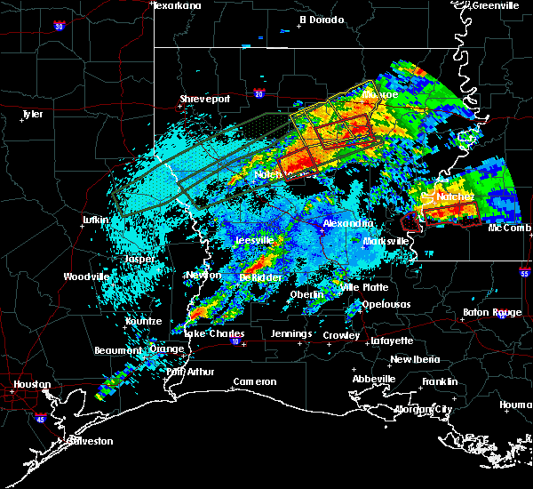 Radar Image for Severe Thunderstorms near Claiborne, LA at 4/22/2020 11:08 PM CDT