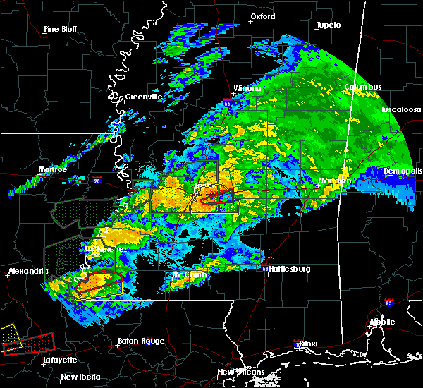 Radar Image for Severe Thunderstorms near Flowood, MS at 4/23/2020 2:08 AM CDT