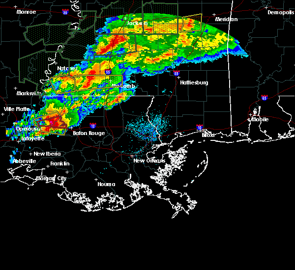 Radar Image for Severe Thunderstorms near Erwinville, LA at 4/23/2020 3:02 AM CDT