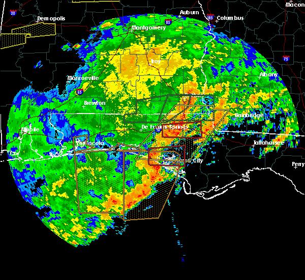 Radar Image for Severe Thunderstorms near Lynn Haven, FL at 4/23/2020 3:58 PM CDT