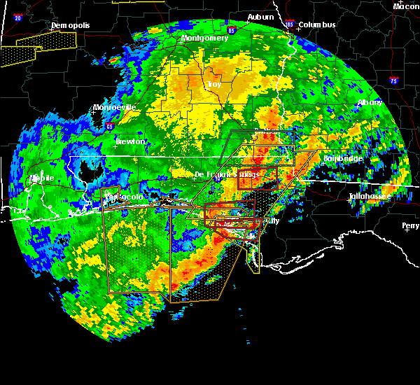 Radar Image for Severe Thunderstorms near Lynn Haven, FL at 4/23/2020 4:03 PM CDT